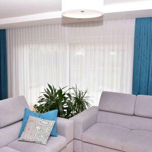 niebieskie-zasłony-do-salonu